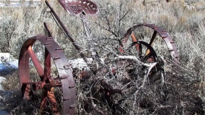rustyfarmequipment_small